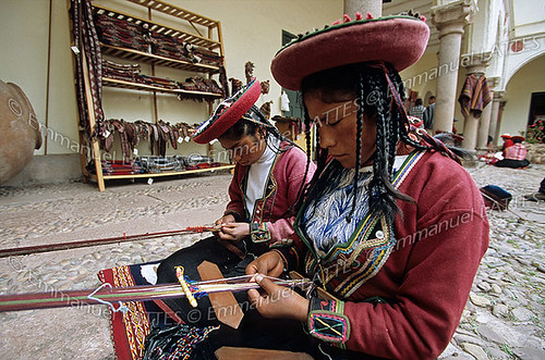 Tisseuses péruviennes (Cuzco, Pérou). | Flickr - Photo Sharing!