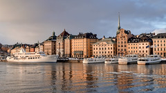 Golden Morning Light (pantha29) Tags: light water boat sweden stockholm olympus hdr goldenlight e510 1260mm