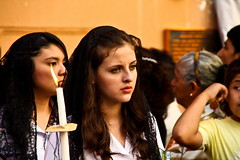Pretty girl (Carlos Smith) Tags: santa woman church girl beautiful easter carpet candle christ jesus iglesia el holy virgin salvador elsalvador bella cristo vela carpets candela semana virgen santo sal belleza procesion entierro yeso alfombras sonsonate burrial aserrin