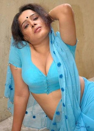 Read More Mallu Aunty Blue Saree