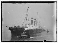 NEW YORK arrives, 8/9/14  (LOC) (The Library of Congress) Tags: ship tugboat libraryofcongress usnavy usn cruiser tugboats cityofnewyork oceanliner unitedstatesnavy trooptransport xmlns:dc=httppurlorgdcelements11 americanline johnbrownco inmanline johnbrownandcompany johnbrowncompany ssnewyork johnbrownandco auxiliarycruiser internationalnavigationcompany americanblacksealine sscityofnewyork dc:identifier=httphdllocgovlocpnpggbain16839 ussharvard1898 ussharvard ussplattsburg1918 ussplattsburg polishnavigationcompany irishamericanline unitedtransatlanticline