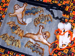 Halloween dietary cookie (borometz) Tags: food ケーキ cookie halloween ハロウィン コウモリ bat オバケ ghost ローカロリー lowcal dietary healty ヘルシー