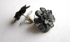 Earrings (flower - hematite imitation)