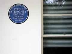 Photo of Lytton Strachey blue plaque