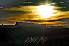 R-598 al Atardecer (Maky_Heavy) Tags: sunset sol tren atardecer media diesel down via granada nubes caf regional adr distancia renfe automotor regionales 598 r598 obeilar