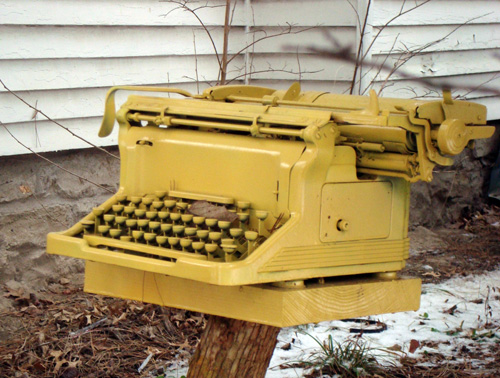 12-12-yellow-typewriter