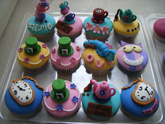 Alice In Wonderland ( gabby cupcakes by Gabriela Cacheux) Tags: cute cupcakes crazy chocolate sugar desserts dreams imagination vanilla madhatter teaparty cheshirecat fondant fondantcupcakes aliceinwonderlad travelsofhomerodyssey gabbycupcakes merryunbirthdayparty