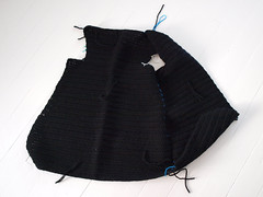 (nattbarn) Tags: onwhite crocheting october09