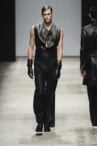 Mathias Bergh3123_FW10_Paris_Songzio(lizzylily@mh)
