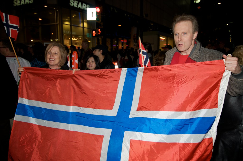Norway Fans Try To Represent