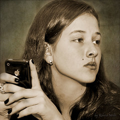 A  simple  moment ... (Rebeca Mello) Tags: portrait woman apple sepia canon julia retrato mulher young legacy jovem iphone 18age artdigital eos50d canoneos50d rebecamello rebecamcmello daarklands bestportraitsaoi trolledproud sbfmasterpiece artwithinportraits