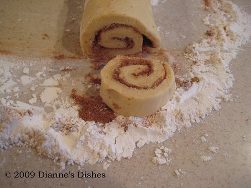Pumpkin Cinnamon Rolls: Sliced