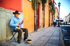 Confessions of a street photographer (Xavier Donat) Tags: street old people playing man hat mexico skinny photography sad poor photojournalism tired oaxaca emotions begging fotojornalismo sigma1020mm photojournalisme mendicity