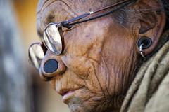 Arunachal Pradesh : Apatani with glasses (foto_morgana) Tags: portrait woman india glasses asia tribes ethnic earplug olderwoman noseplug arunachalpradesh reru facetatoo canon5dmarkii lowersubansiridistrict