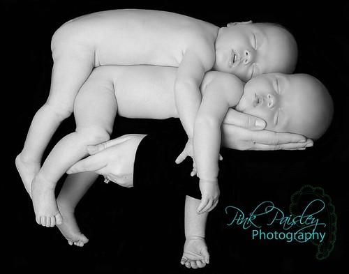 twins-Sarah-112-copybw