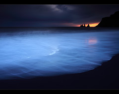 Diablo Beach - Vík, Iceland (orvaratli) Tags: ocean longexposure travel sea black landscape lava iceland sand north wave atlantic arctic vík icelandic reynisdrangar reynisfjall víkímýrdal arcticphoto örvaratli orvaratli