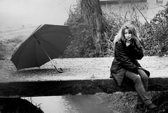 Soul Waver (Anna Montuori (con la cazzimma inside)) Tags: bridge bw cold look fog umbrella sitting country thoughtful viviana bn sguardo campagna nebbia ruscello freddo seduta ombrello crick ponticello pensierosa annamontuori lalbumdimalikaayaneeunodeimiglioriitalianidegliultimianni