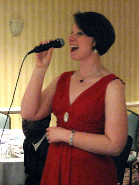 Singing Diva (Click to enlarge)