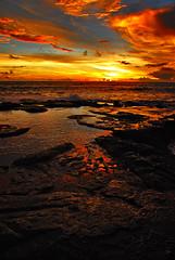 Tanah Lot, Bali (r47z @ Cris Chen ) Tags: sunset bali food beach indonesia temple asia d200 asianfood ubud kuta tanahlot legian seminyak travelphotography landscapephotography baliindonesia travelphotograhy sunsetphotography babiguling crischen ibuota
