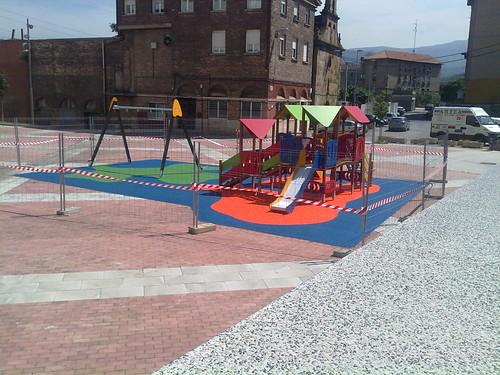 Suelo Parque Intantil. Plaza Burtzeña I.Barakaldo