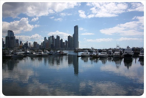 Panama City skyline & yachts