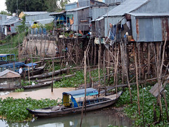 Vietnam Mekong Delta Houses (Gareth Rowson  Graphic Designer) Tags: travel houses river boats journal delta photographic vietnam riverbank mekongdelta gareth mekong stilts shacks rowson garethrowson