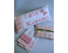 Kit Beb Rosa (Gata Prata) Tags: baby handmade craft beb menina almofada presente fraldinha enxoval paninhodeboca gataprata portalenoumedecido