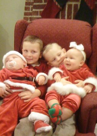 Sweet Santa family