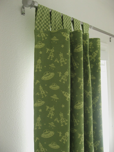 How to make curtains out of fabric