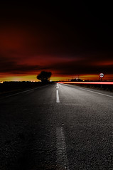 Carreteras a ninguna parte (Lambroso) Tags: road light night noche long exposure carretera trail exposicion larga
