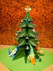 Albero di Natale 2009 - luce artificiale (Nocciola_) Tags: origami xmastree alberodinatale