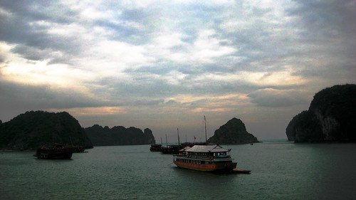 halong bay (four)