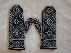 Egyptian Mittens