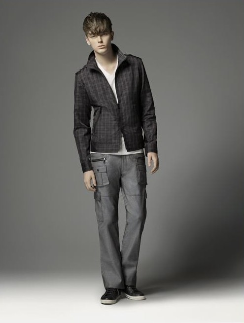 Daniel Hicks0048_Burberry BL(official)