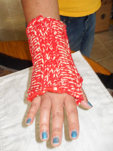 Quick knit fingerless glove