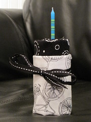 some black/white fat quarters up for grabs!