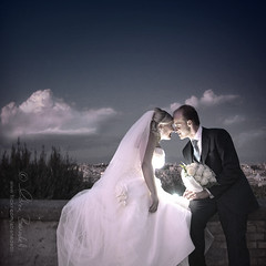 a flash of love () Tags: wedding portrait italy rome roma love andy groom bride kiss kissing couple italia dress andrea flash andrew tuxedo romantic ritratto amore matrimonio bacio coppia gianicolo sb800 benedetti strobist sposini baciarsi sposare nikond90