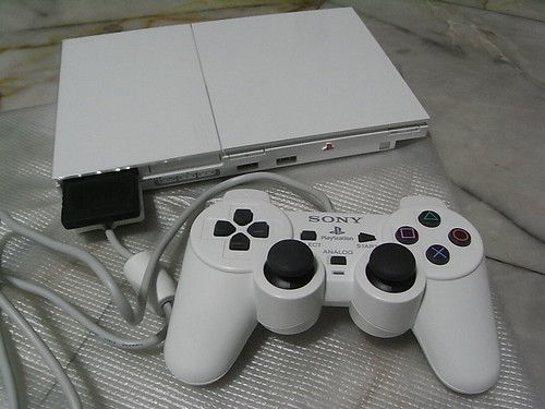 Play Station 2 - White Model