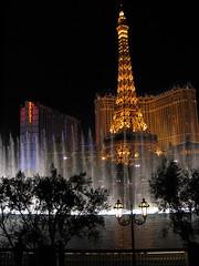 Eiffel Tower Replica / Bellagio Fountains