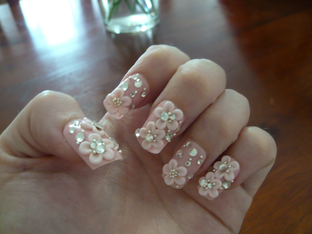 3D hime nails