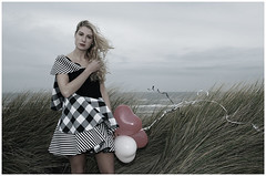 -Pretty Woman in the Wind- (www.hansvink.nl) Tags: sea woman girl strand balloons shoot wind dunes ballon zee suzanne duinen noordwijk