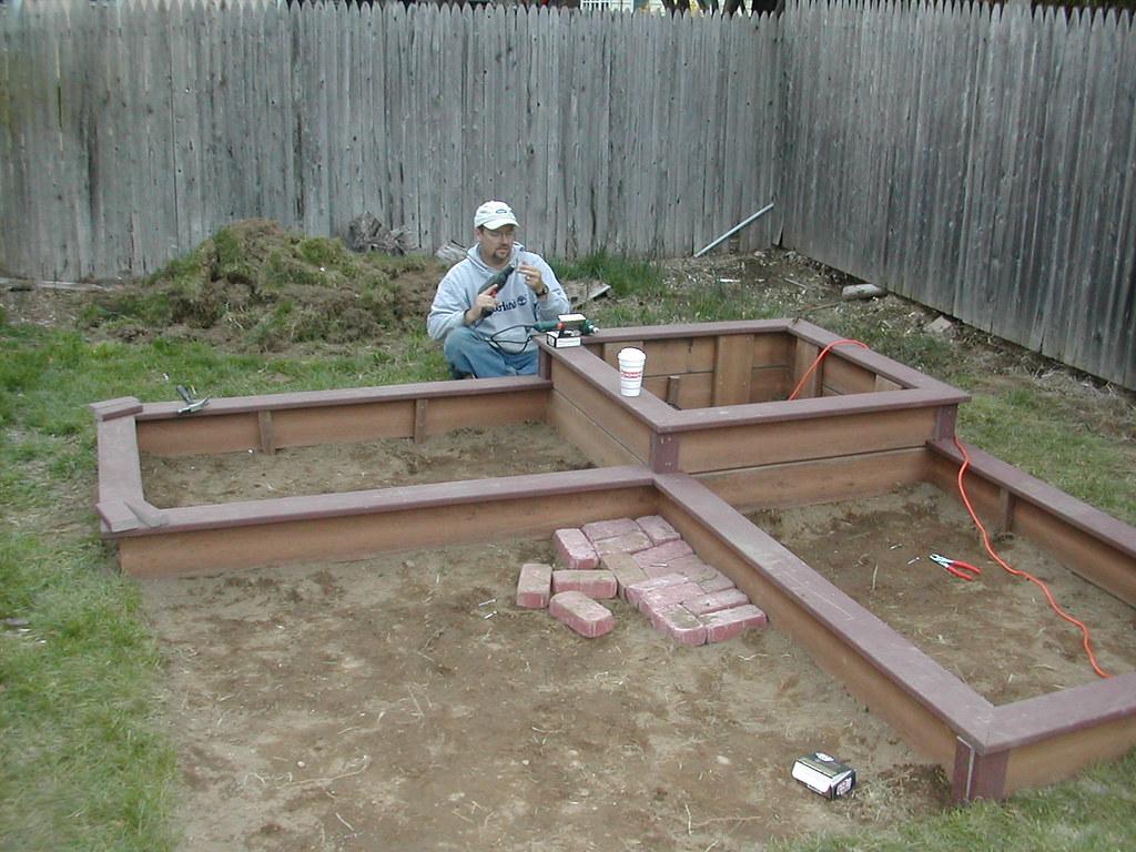 Garden Design For Raised Beds: Composite Deck Raised Bed Designs