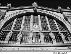 8 - 8 mars 2010 Paris Place Napolon III Gare du Nord (melina1965) Tags: windows blackandwhite bw sculpture mars paris clock window statue march ledefrance gare noiretblanc faades statues horloge niko garedunord fentre sculptures clocks faade nord 2010 fentres 75010 horloges d80 10mearrondissement photoscape thisphotorocks nikondslrforum