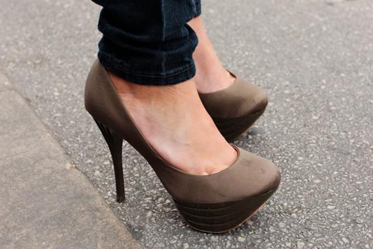 stripe_shoes
