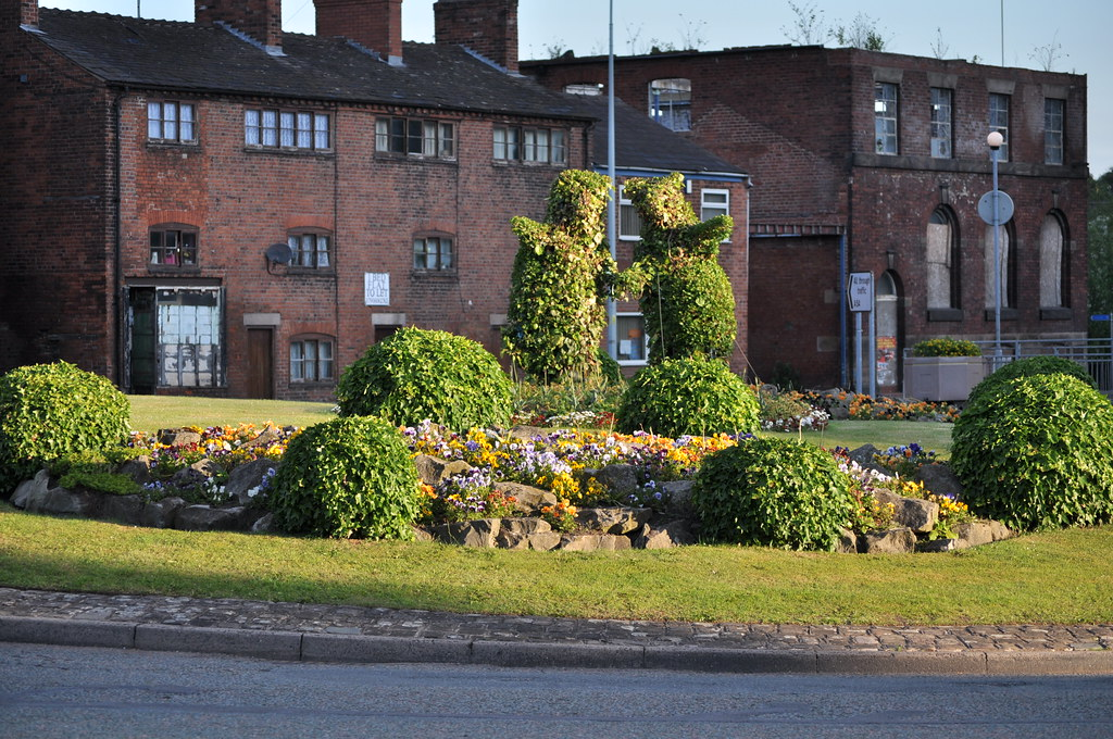 Congleton Mountbatten Way roundabout bears