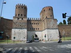 DSCN1643 (Starcadet) Tags: italien pantheon christen kaiser rom nero römer forumromanum papst vatikan antike petersdom petersplatz kolosseum engelsburg benediktxvi audienz cäsar