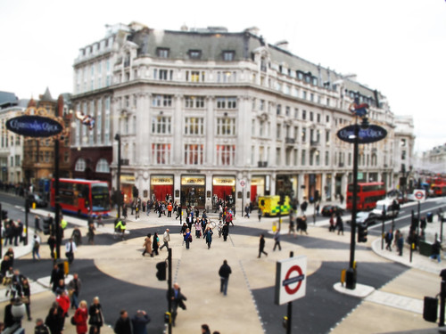 Oxford Circus diagonal crossing - miniaturised!