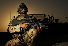 Aussie style (United States Forces - Iraq (Inactive)) Tags: new soldier us iraq equipment states iraqi forces united almuthanna us army forces campsmitty operation freedom amtg3 iraq dawn military advise assist