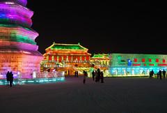 Harbin Snow and Ice Festival 2010 - Harbin, China (JohannSchmidt) Tags: china heilongjiang moscow thepearl harbin manchu songhuariver  songhua northeastchina heilongjiangprovince cityoriental ice parisoriental