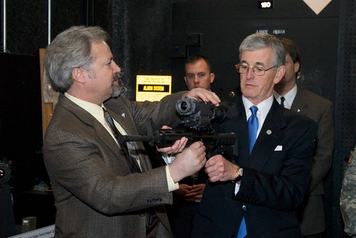 Army secretary visits Night Vision Lab